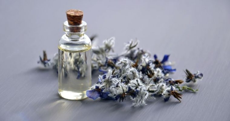 Essential Oils to Naturally Scent Your Home