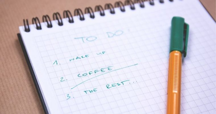 How to Use Checklists to Stay Organized